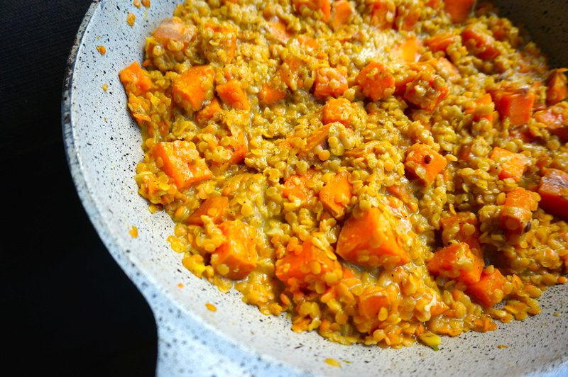 Red lentil dhal with sweet potatoes